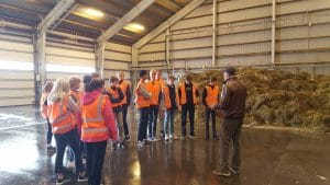 Skoleklasse på rundvisning hos Solrød Biogas